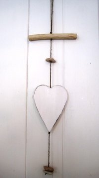 White Heart Hanger